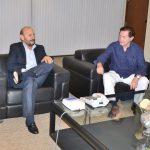 Insfrán fue visitado por el doctor español Villavicencio Mavrich, quien es una eminencia mundial en medicina