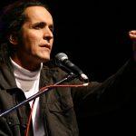 Todas las Guerras: Nuevo unipersonal del comediante Cubano Joel Sánchez